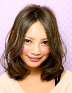 人気女優 一段とオトナの女性上戸彩さんの髪型 昼顔 と比べてみ